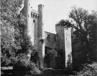 P44-chateau-varenneslesnarcy.jpg